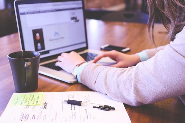 Laptop, notatnik